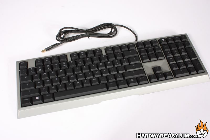 Cherry mounts the G80 in a solid brushed aluminum frame that is  ergonomically tilted for comfortable typing and is quite a bit heavier than  expected. 9a2eef3cbe399